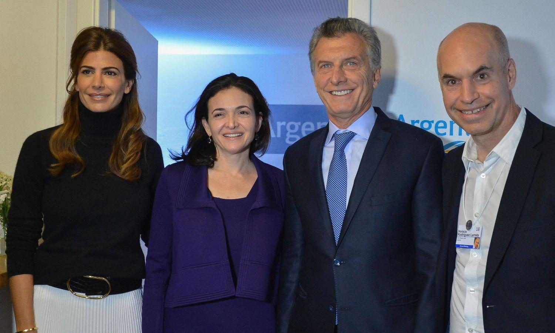 Resultado de imagen para Macri y la primera dama, Juliana Awada, con la directora operativa de Facebook, Sheryl Sandberg.
