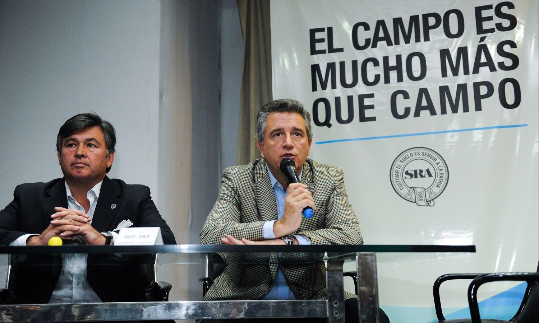 Pelegrina y su antecesor y ministro de Agroindustria, Luis Miguel Etchevehere